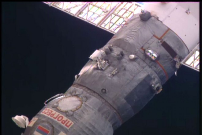 5/30/2016 メテオ運用室のISSライブ映像(映像提供NASA)