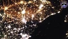 2016年10月5日20時30分頃(GMT)に撮影されたドーバー海峡からフランス,ベルギー,オランダ,ドイツにかけての夜景です.