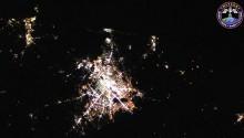 2016年7月12日(GMT)に撮影されたヒューストン上空からの夜景です.