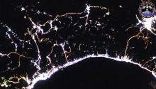 2016年10月15日10時35分頃(GMT)に撮影されたUAEのドバイからオマーンのマスカットにかけての夜景です.20161217_15:56:03_55.7E_25.2N_Dubai, Muscat