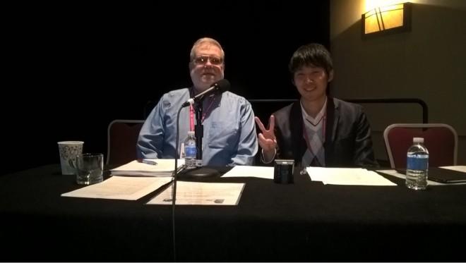 Melosh and Okamoto (2017) セッション前に廣井さんに「記念になるから」と写真をとっていただきました.私のピースはDr. Meloshが笑顔になってもらうためのピースですが(実際少し表情はほころんでもらえた),見返すと少し気恥ずかしいです.(^_^;